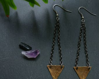 Hammered Brass Triangle Earrings // Textured Brass Triangle Earrings // Hammered Metal Geometrical Brass Triangle Earrings