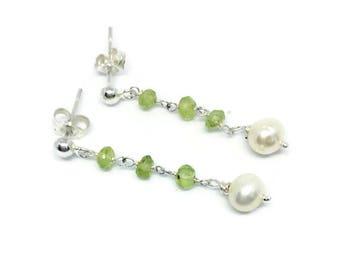 Peridot drop Earrings,August birthstone,Peridot earrings,delicate earrings,Mother's Day gift,Gift for her,birthday gift,Peridot jewellery,