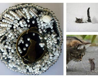brooch Kitty Cat beads and white