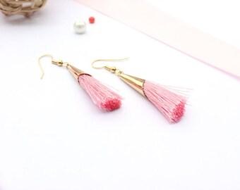 Tassel earrings / gold and pink earrings / chic earrings / earrings chic tassels