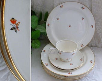 Vintage 40s HOMER LAUGHLIN DINNERWARE Nautilus Cardinal 22-Carat Gold Trim Dinner Plates Cups Saucers Hand Painted Cunningham & Picket Inc.