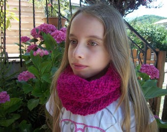 Choker child woolen, warm and soft.