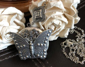 Butterfly locket, butterfly necklace, butterfly gift, butterfly jewelry, photo locket, keepsake necklace