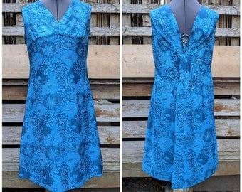Vintage 1960s V-neck Sparkly Royal Blue Brocade Knee Length Go Go Dress