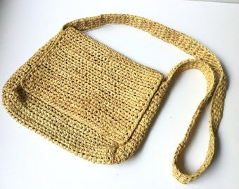 RAFFIA SHOULDER BAG Vintage Woven Straw Purse with Top Flap