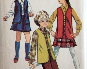 Simplicity 8428 girls vest, blouse, skirt & pants size 10 1/2 chubbie vintage 1960's sewing pattern