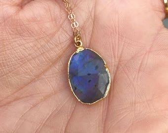 Labradorite Gold Pendant Necklace // Labradorite Gold Necklace // Labradorite Necklace