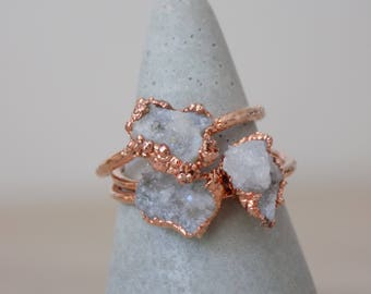 Raw druzy stacking ring - raw quartz copper ring - geode ring - quartz crystal ring - raw crystal ring - quartz druzy ring - gifts for her