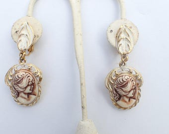 Cameo dangle clip on earrings AB084