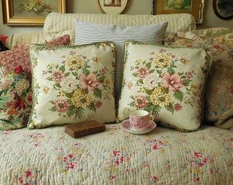 Stunning pair of vintage floral country house cushions, vintage pillows