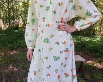 60s Womens L - XL  Midi Dress Ivory Bright Pattern Keyhole Dress Mandarin Collar