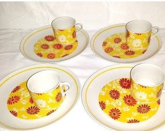 Floral Snack Set,8 Pc Set,BREAKFAST SET,Snack Plates & Cups,Retro Kitchen,Kitsch,Boho,Floral Snack Set,Plates,Cups,Red,Yellow,Flowers