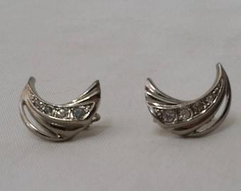 Vintage 1960s Silvertone and Crystal Rhinestone Silver Crescent Moon Clip On Earrings