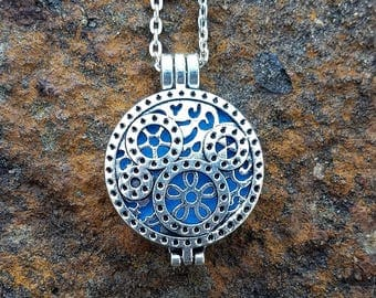 Diffuser Necklace Steampunk Essential Oil Diffuser Necklace Aromatherapy Locket with Chain Steampunk Locket