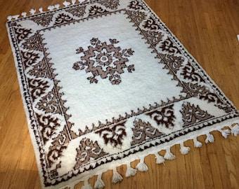 "Mid Century Vintage Moroccan Beni Ourain Azilal Wool Shag Rug 59"" w x 83"" l"