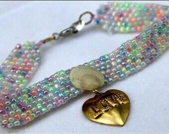 Pastel mermaid charm bracelet - multicolored ocean themed seashell bead bracelet -  mermaid costume beaded jewelry - beach accessory
