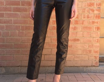 80s/ 90s High Waisted Black Leather Cropped Ankle Pants / Size XS S Small / 0 / 24