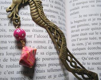 Marque page bronze dragon et perles roses cadeau professeur instituteur maîtresse cadeau littéraire Cadeau lecteur