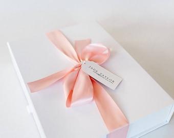& Bridesmaid gift box | Etsy Aboutintivar.Com