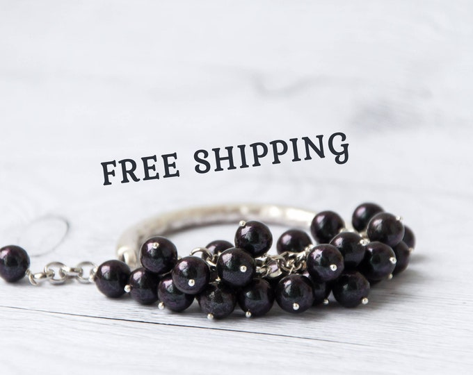 Women black bracelet, Chunky bracelet for women, Black bangle bracelet, Chunky jewelry, Large bracelet, Cluster bracelet