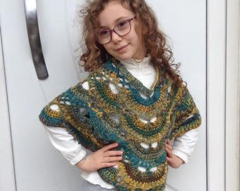 Crochet poncho for girls, crochet poncho, soft wool, gradient on shades of green and yellow