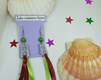 Strips of bobbin and green and Burgundy Ribbon earrings