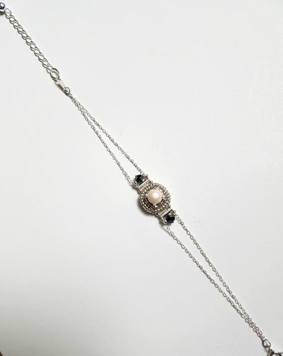 Pearly white bracelet