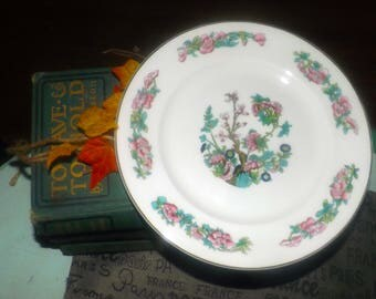 Vintage (c.1970s) Mayfair China England MYF7 Indian Tree pattern salad or side plate.  Smooth gold edge.  Chinoiserie.