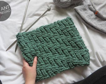 KNITTING PATTERN // Zig-A-Zig-Ah Cowl   Beginner Knitting Pattern   Winter Scarf Pattern   Chunky Scarf   One Size Fits All   Gifts For Her