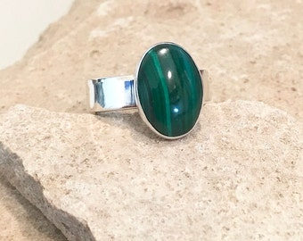 Sterling silver green malachite ring, oval stone ring, oval gemstone ring, stackable sterling silver ring, sterling silver ring gift for her