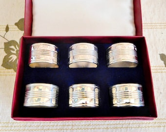Silver plated napkin serviette rings, boxed set of 6, vintage 1960s