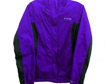 Small Columbia Sportswear Company Omni-Tech Rain Jacket