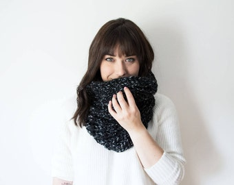 Knit Scarf Chunky Infinity Dark Grey Cowl in 'Graphite' - The PLOVER Chunky Knitted Black Gray Cowl