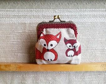 Gift for girl Fox purse, coin purse, handmade kiss lock money pouch, cash purse, red fox, gift for teen, linen purse kiss lock frame pouch