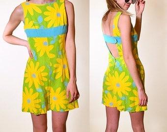 Vintage 1960's hippie floral summer open back mod romper women's size small