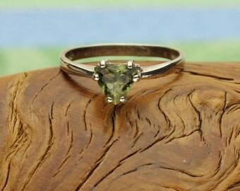 Moldavite Silver Ring, Genuine Green Tektite Sterling Silver, Trilliant Shape, Faceted Moldavite Gemstone, Meteorite, Certificate