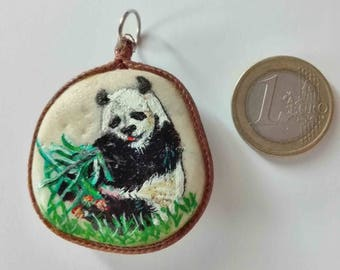 Hand painted natural stone pendant with an animal motif (Panda bear) and floral, original and unique, artisan work. Vegan product.