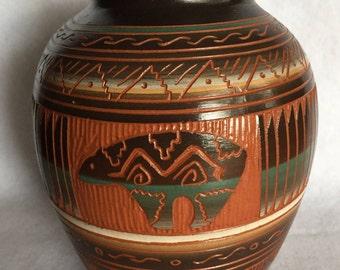 Navajo Bear Pot by V. King