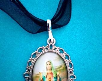 "Necklace ""Sainte Vierge Marie"""