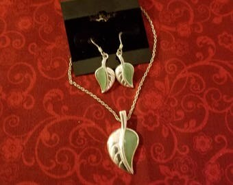 CP108 Vintage Sterling Silver Necklace with Sterling Silver Leaf Pendant and Matching Earrings