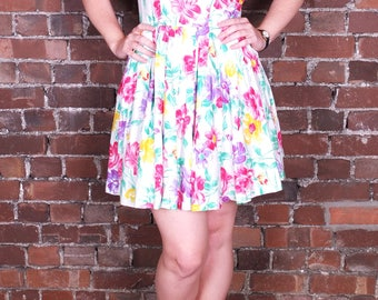 Vintage Floral Summer Dress Short Fitted French White Cotton Bright Colours Pink Purple Yellow Festival UK Size 10