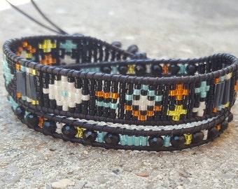 Black and multicolor leather 2 wrap bracelet rounds