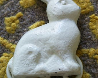 Vintage Bunny Wall Plate Holder