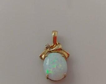 10k Gold Opal Pendant
