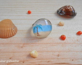 Exotic beach and Palm tree, gift idea cabochon ring celebrating the grand mothers, Easter