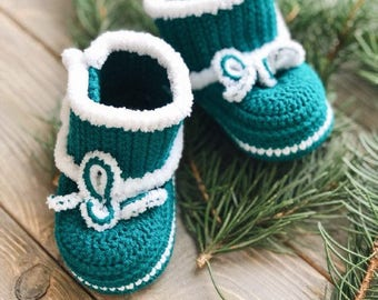 Green Baby mocassins Baby reveal box Baby moccasins Baby uggs Baby moccs Loafer booties Baby loafer shoes Baby sandals Cute baby clothes