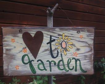 Lovetogarden,gardenartflowers,gardensign,wallhanging,outsidedecor,yardart,rustic,handmade,tinheart,greatgift