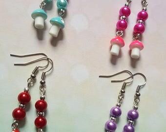 Toadstool earrings, Beaded earrings, Dangle earrings, Toadstool, Fairy toadstool, Fantasy, Fairy, Fantasy jewellery, Geeky, Nerdy, Gamer