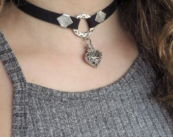 Black Heart choker-Heart Choker Necklace-Valentine's Day Gift-Valentine's Jewelry-Circle Ring Choker-Punk Choker-Thick Circle Ring Choker
