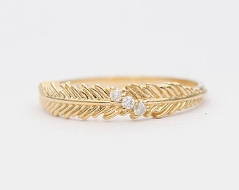 18K Gold Feather with Three Diamond Wedding Band Stacking Ring Stackable AD1300